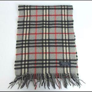 Burberry's check scarf